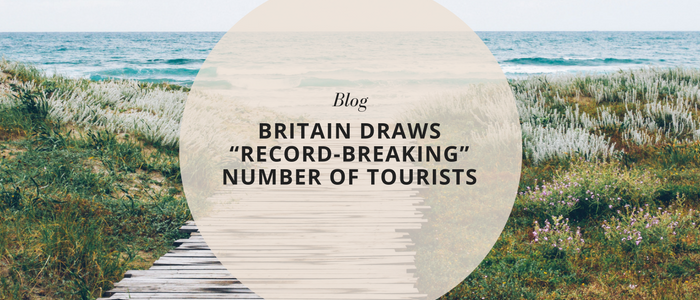 """Britain draws """"record-breaking"""" number of tourists"""